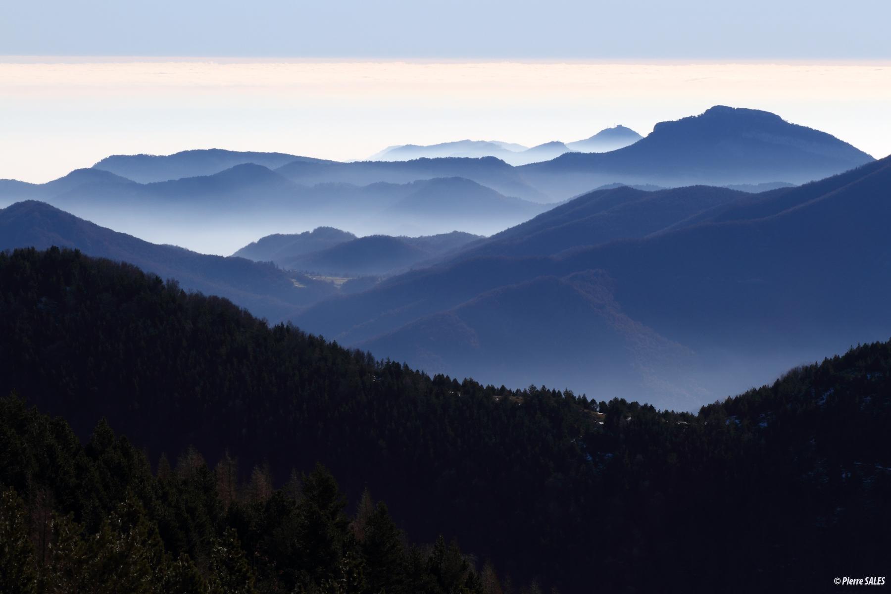 bearman-pyrenees-brumes-cretes