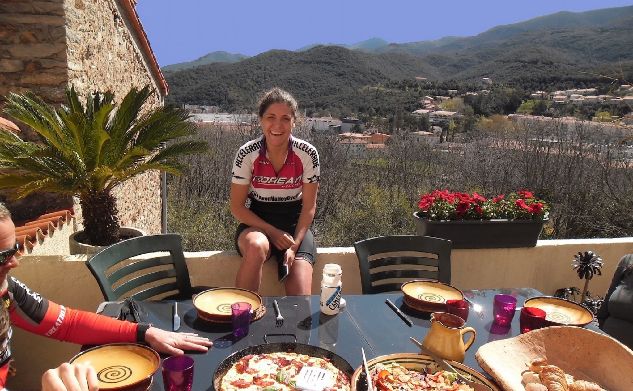 BEARMAN Accommodation Lunch-on-the-Terrace-Sancture-Sportifs